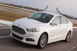 Ford посулил в скором времени выпустить машину без руля и педалей
